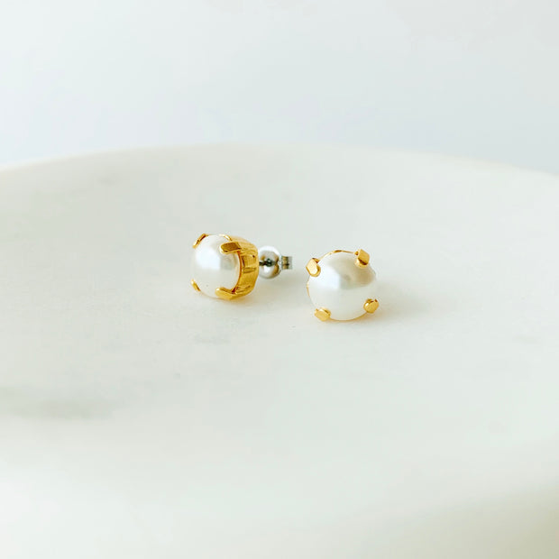 Grace Pearl Stud Earrings - Gold
