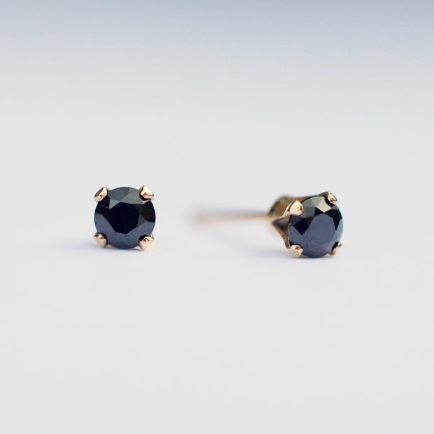 Marilyn Micro Stud Earrings - Black