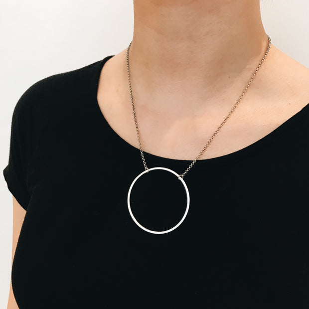 Sorrento Circle Necklace - Silver 2