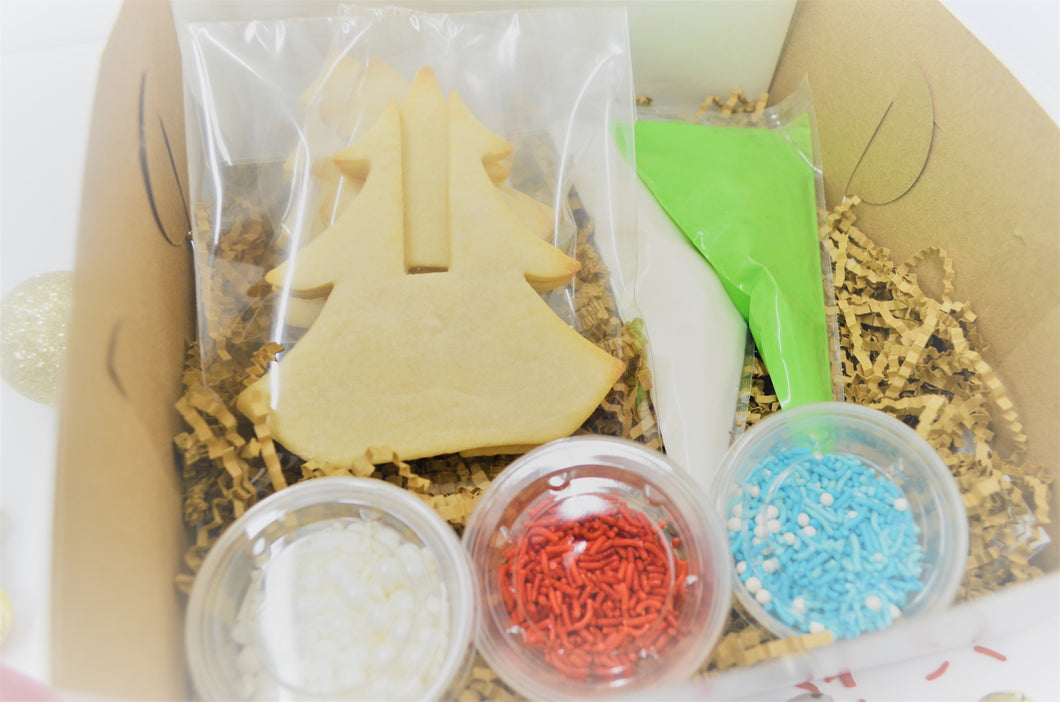 Charming Tree Decorating Kit