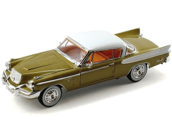 1957 Studebaker Golden Hawk Model 1:32