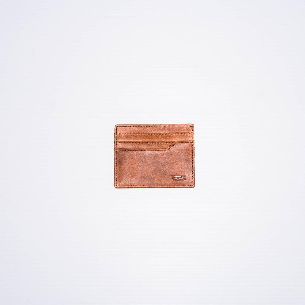 This cardholder can hold all your go-to cards with the six slots available.