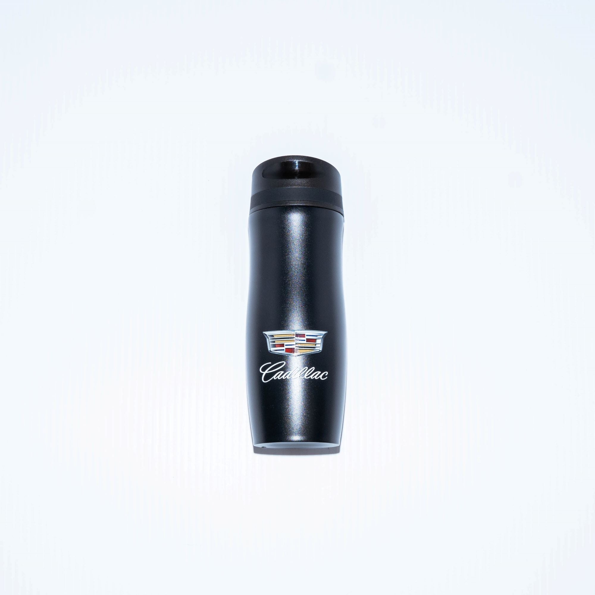 This Persona Wave Trail Cadillac dual wall tumbler is made with stainless steel and a copper-lined deep draw liner.