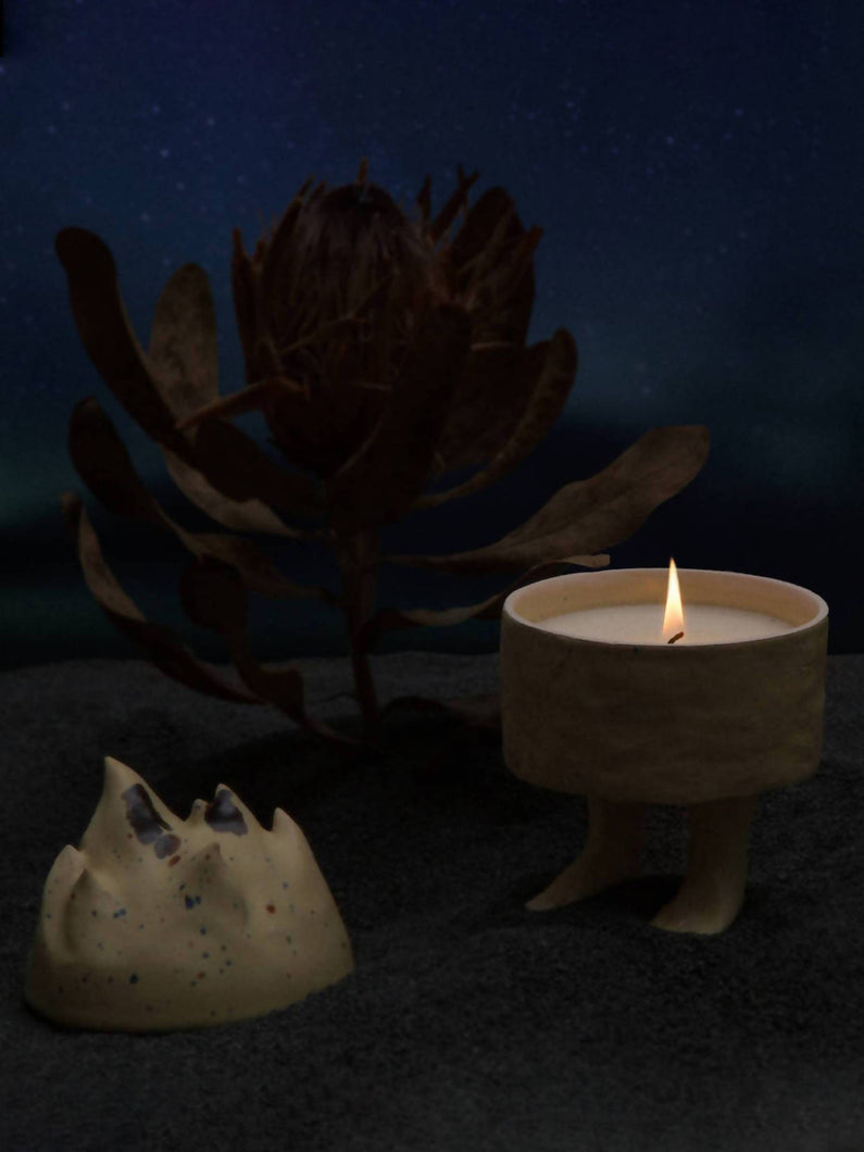 Load image into Gallery viewer, PAN OGIEŃ Ceramic Candle CREAMY MOOD