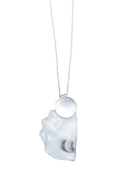 OYSTER SILVER PENDANT SHORT CHAIN