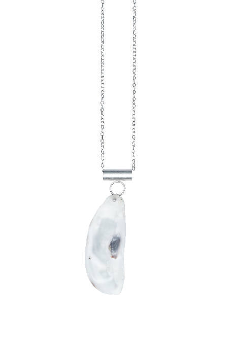 Load image into Gallery viewer, OYSTER SILVER PENDANT LONG CHAIN