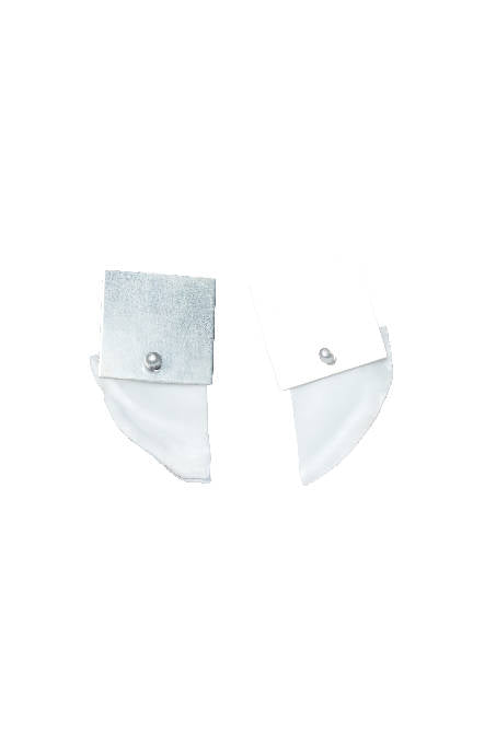 OYSTER MINI SILVER SQUARE EARRING