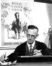 Load image into Gallery viewer, Royal Easter Show Sydney 1947