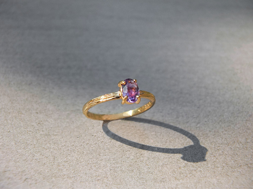 Load image into Gallery viewer, handmade solid amethyst ring, handmade solid birthstone ring, handmade solid gold ring, handmade gold birthstone ring etsy, handmade birthstone ring mejuri, handmade white gold birthstone ring etsy, rose gold birthstone ring etsy, birthstone ring mejuri, birthstone ring peoplesjewellers