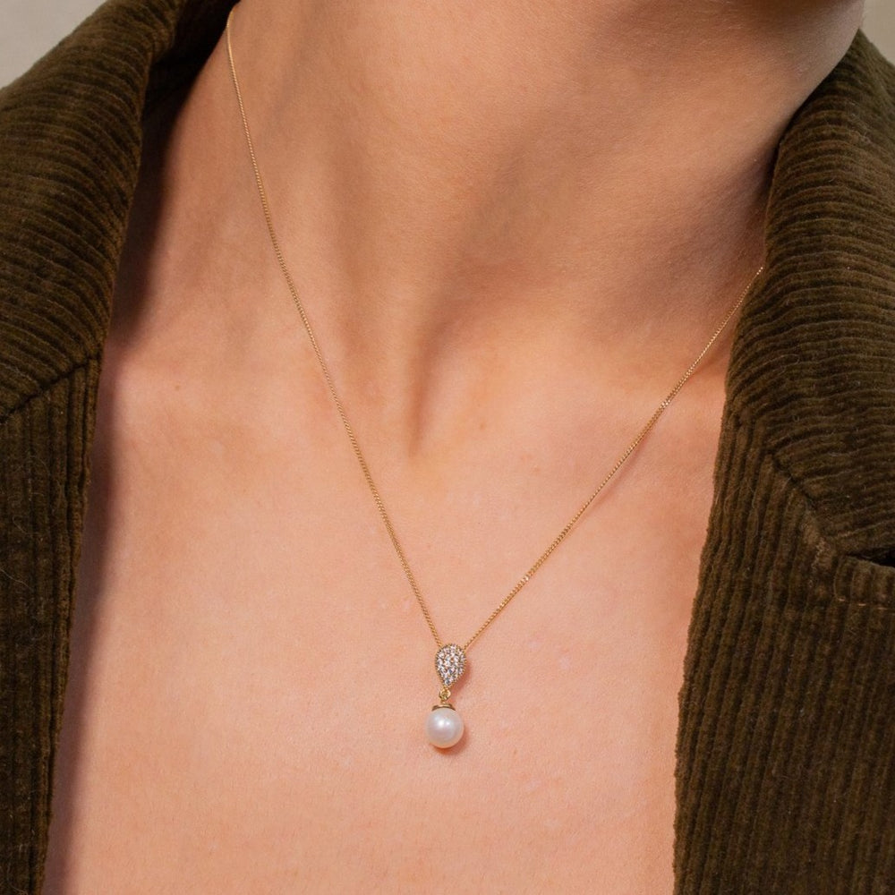 Pearl Necklace | 10k Gold | 17""