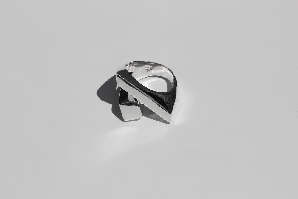 Load image into Gallery viewer, handmade silver jewellery toronto, made in canada silver ring etsy, handmade silver jewelry etsy toronto, misc jewellery toronto, handmade silver jewellery toronto affordable, solid handmade silver ring etsy, chunky geometric silver ring handmad