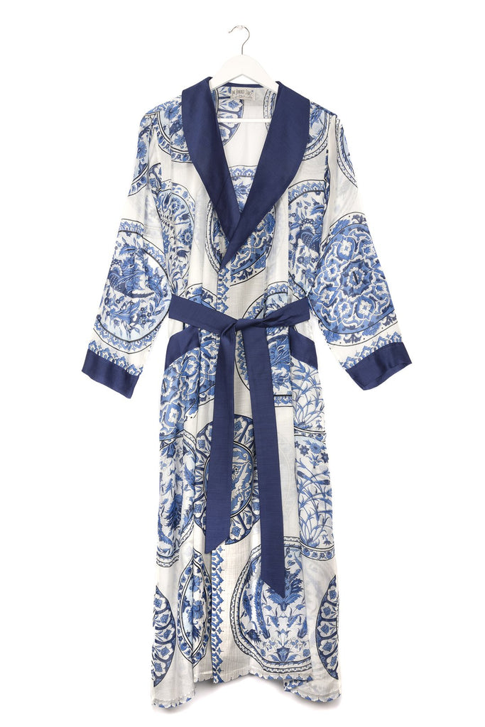 One Hundred Stars China Plates Dressing Gown