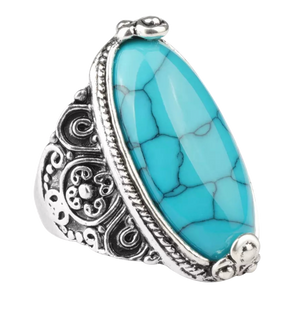 Oval-Shaped Turquoise Antique Ring - coleculture