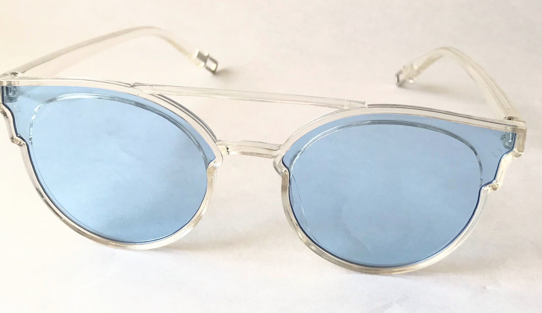 Fashionable Transparent/Blue Cat Eye Sunglasses