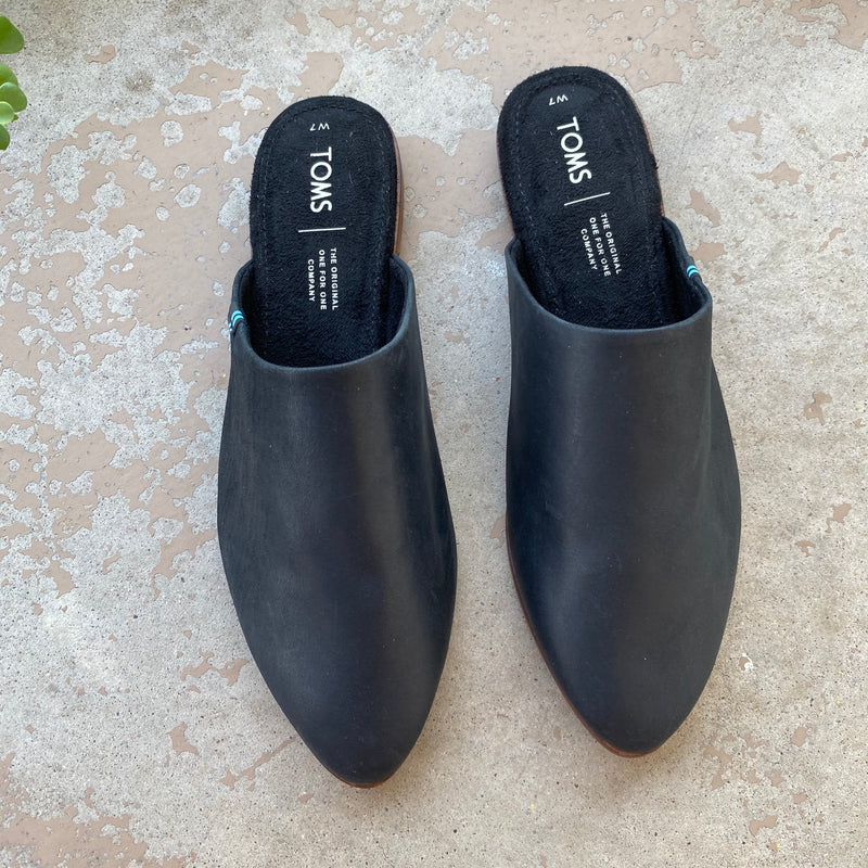 Tom's Black Leather Slip On Mules, Size 7