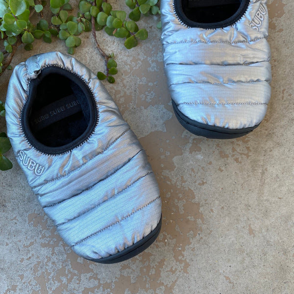 SUBU Silver Packable Outdoor Slippers, Size 6.5-7.5