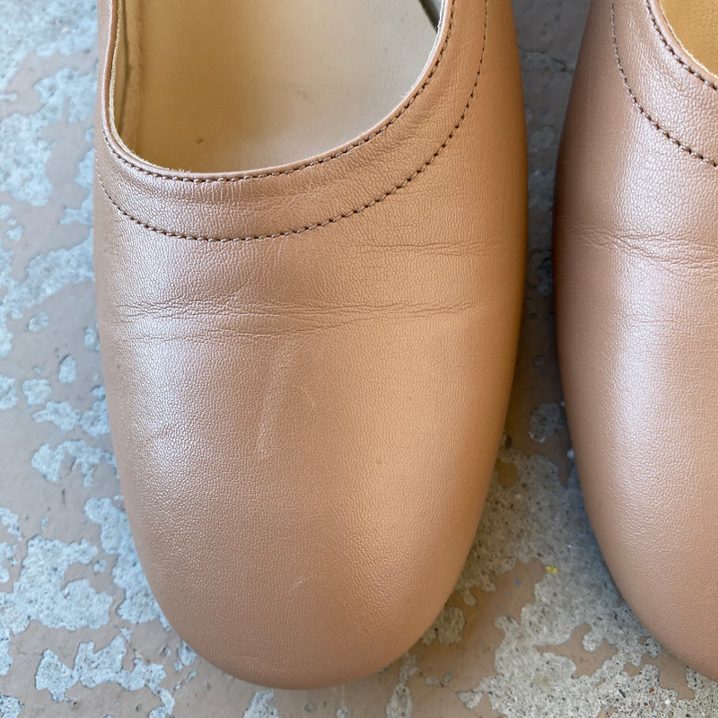 Everlane Tan Day Heel, Size 8