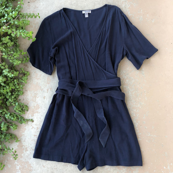 Chelsea 28 Navy Romper w Tie | Size small
