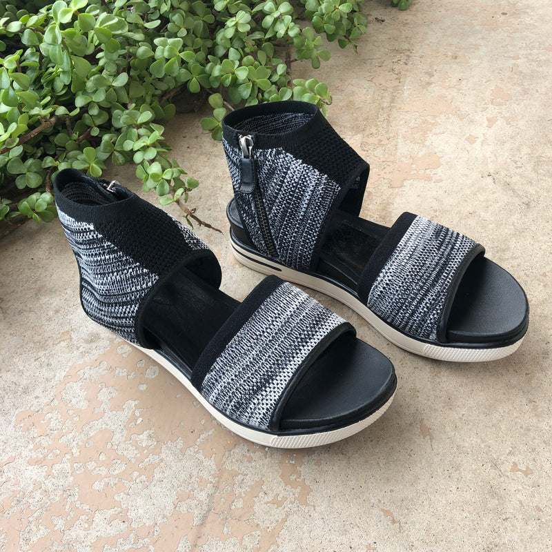 Eileen Fisher Black Zipper Sandals, Size 6.5