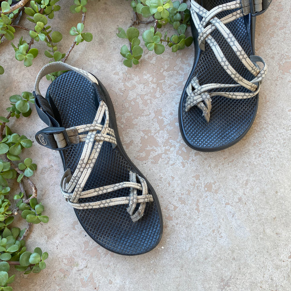 Chacos Olive Sandals, Size Women's 9
