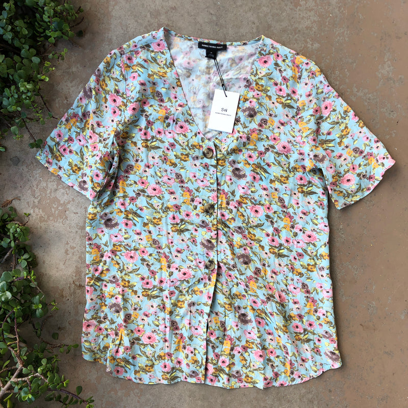 Something Navy Floral Top (NWT), Size Medium
