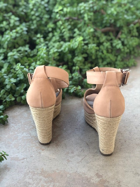 Marc Fisher LTD Nude Wedge Heel Shoes Size 10