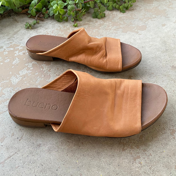 Bueno Leather Asymmetrical Slides, Size 37 (US 7)