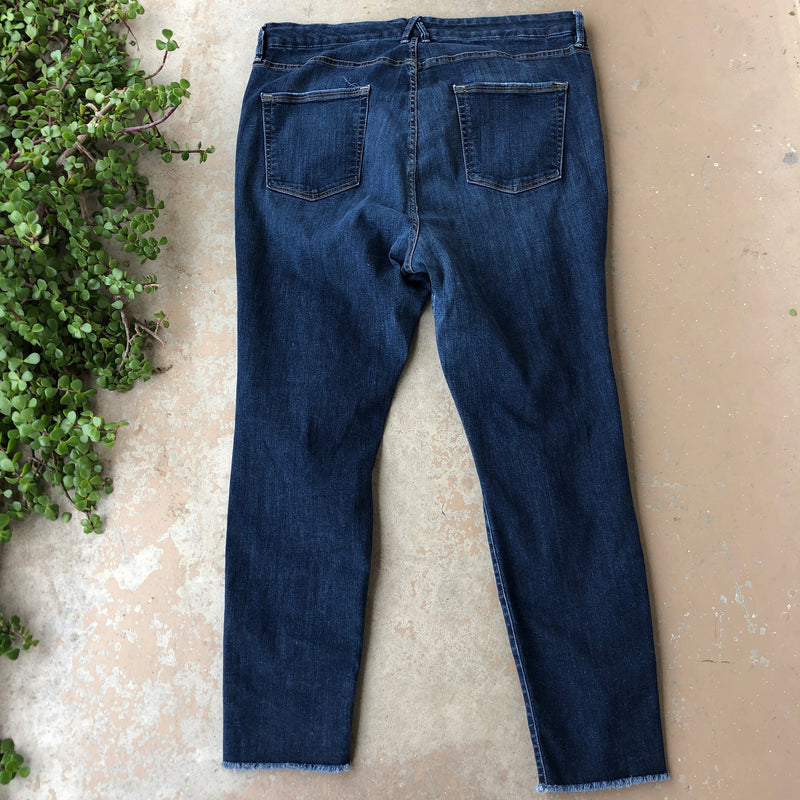 Good American Good Legs Jeans, Size 22