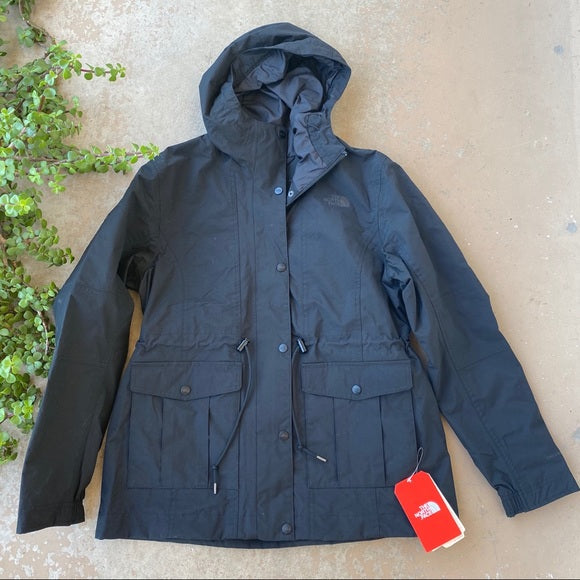 The Zoomie Jacket in Black, Size Large