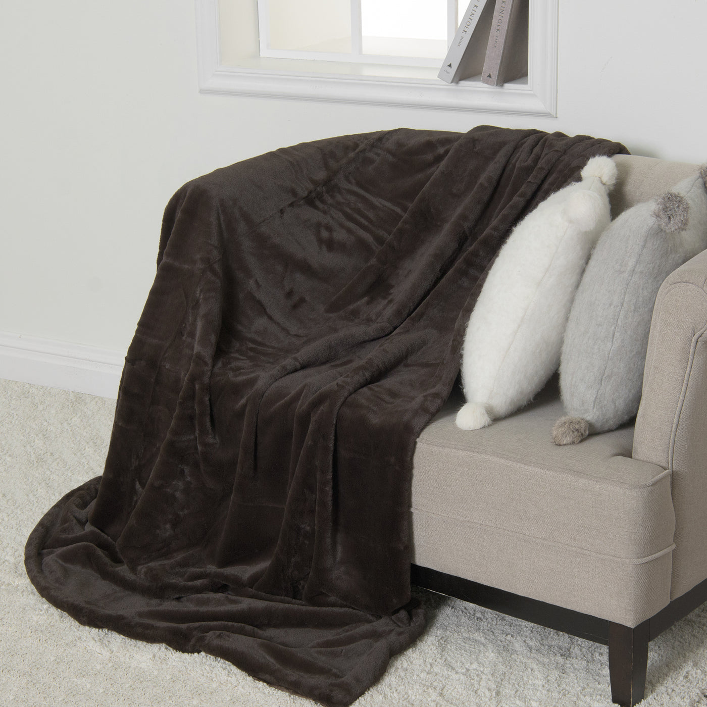 Luxe Faux Fur Throw