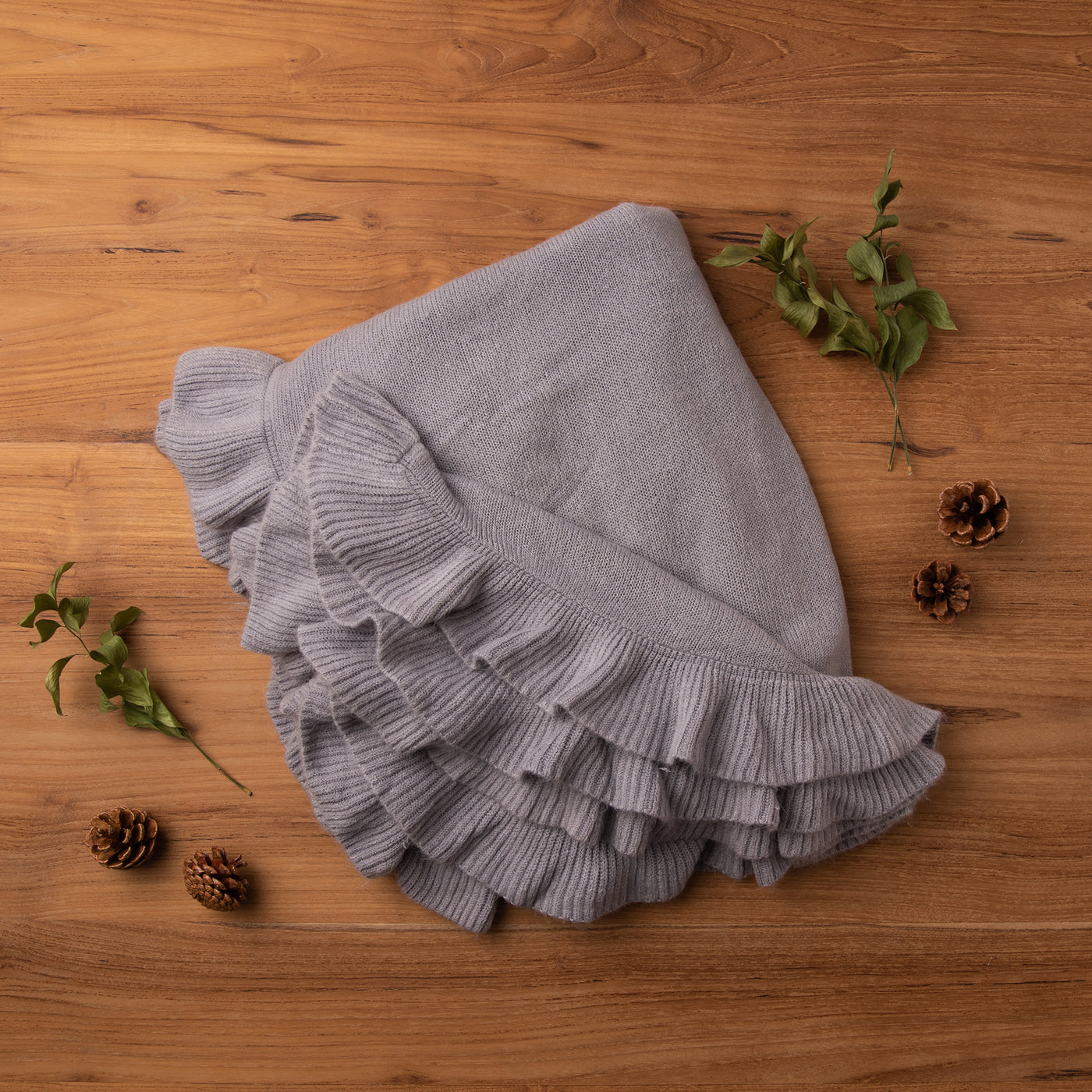 Ruffle Border Throw