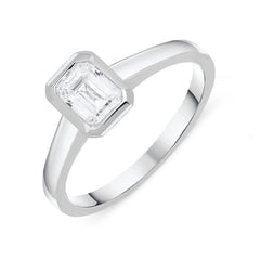 18ct White Gold 0.73ct Diamond Emerald Cut Ring