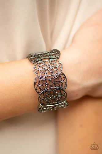 Fancy Fashionista - Black Bracelet
