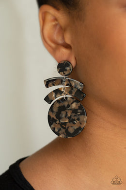 In The HAUTE Seat - Paparazzi Black Earrings - BlingbyAshleyNicole