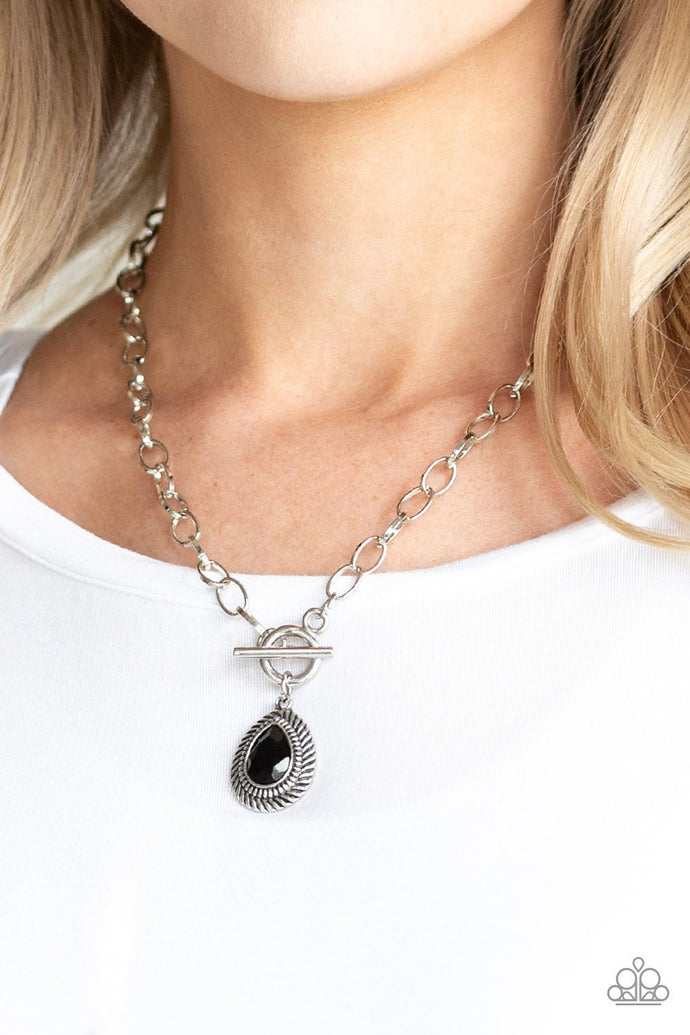 Sheen Queen - Paparazzi Black Necklace - BlingbyAshleyNicole