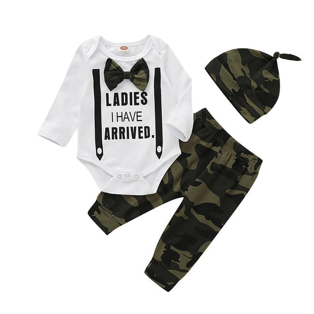 Baby Boy Letter Bodysuit & Camo Pants With Hat