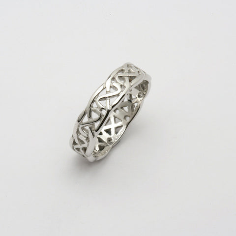 Sheelin 14k White Gold Pierced Band