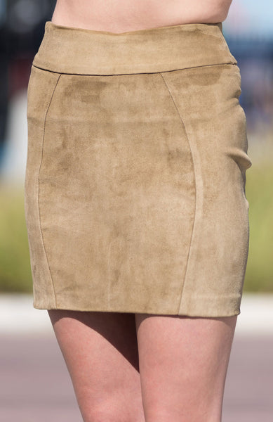 Shorty Skirt in Stretch Leather