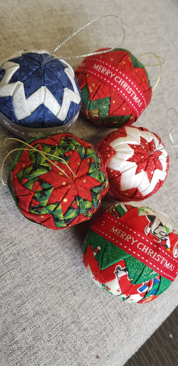 Folded fabric bauble kits