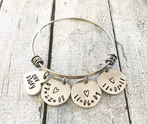 Our story - Our love story - Personalized bracelet - Queen Bunnybee's Gifts