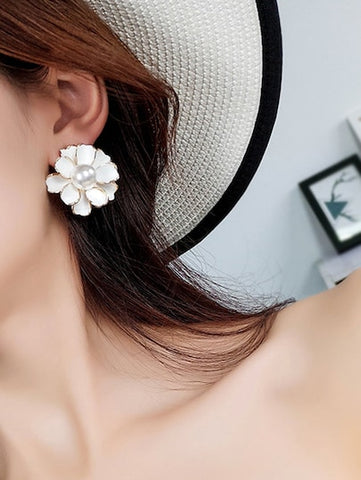 White Faux Pearl Flower Stud Earrings - Queen Bunnybee's Gifts