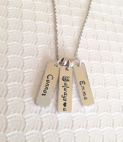 Mother's necklace - Hand stamped jewelry - Hand - Queen Bunnybee's Gifts