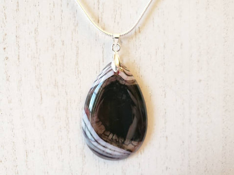 Pendant on 925 Sterling Silver Necklace - Dragon Vein Agate - Queen Bunnybee's Gifts