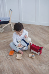 Doll Feeding Set in Legno