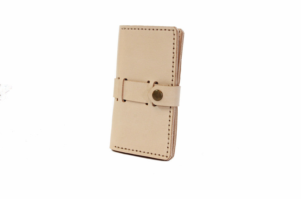 No. 916 Checkbook Cover in Natural Tan