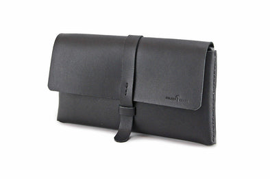 No. 317 Clutch in Deep Black