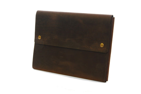 "No. 1214 - Standard Portfolio Case in CrazyHorse Brown (Fits 13"" MacBook Pro & iPad Pro)"