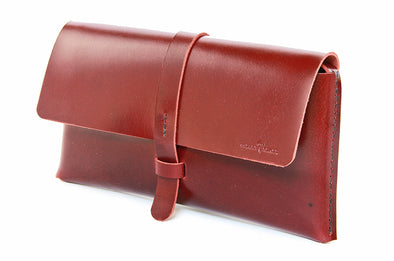 No. 317 Clutch in Buffalo Red