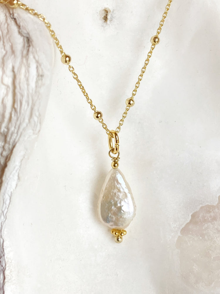 Freshwater Pearl Raindrop Necklace