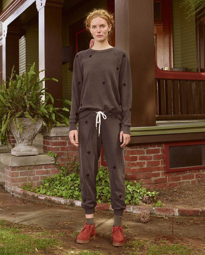 Cropped Sweatpant w/ Heart Embroidery
